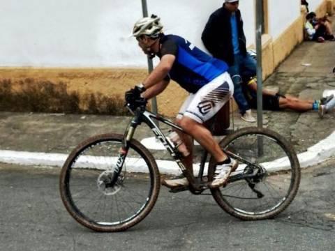 Bicicleta avaliada em R$ 14 mil foi roubada de atleta em Santos, SP (Foto: Arquivo Pessoal)