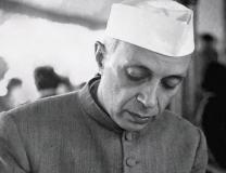 How many hours did Nehru use to work in a day