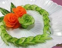 Decorate the salad like this for the function