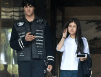 Akshay Kumar's son Aarav steps out for lunch with a mysterious girl
